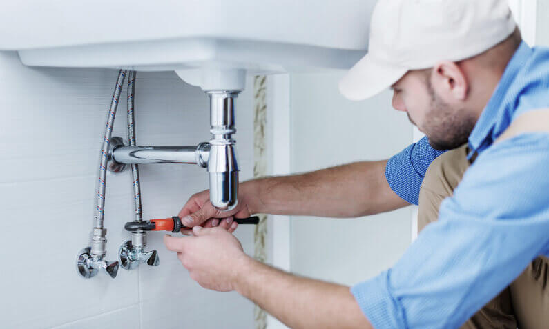 The Why, When, and How of Hiring a Plumbing Contractor - House Decorin
